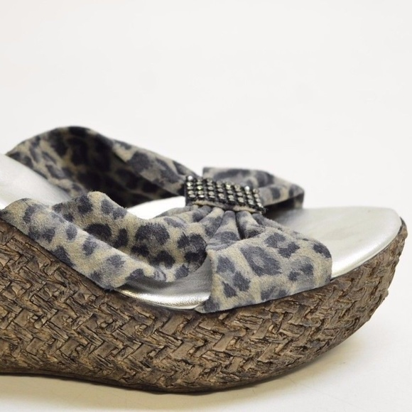 fc35c1d1447 Dezario Women s Gray Printed Suede Wedge Sandals